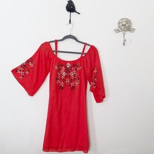 *NWT* Embroidered Cold Shoulder Shift Dress